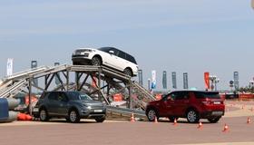 F-Type, Discovery Sport и Evoque: Тройной тест в рамках Jaguar Land Rover Road Show