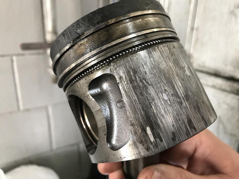 Поршень царапает цилиндр